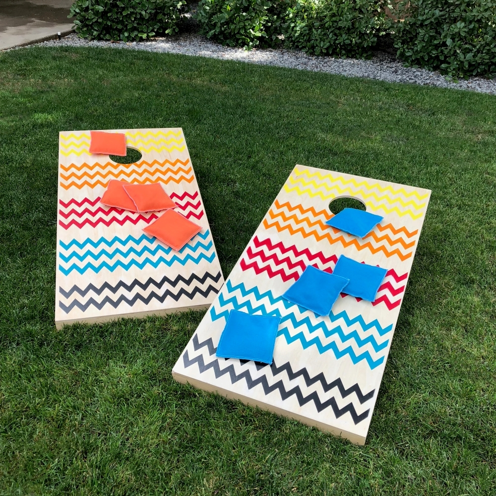 COLORSHOT Painted Cornhole Backyard Game