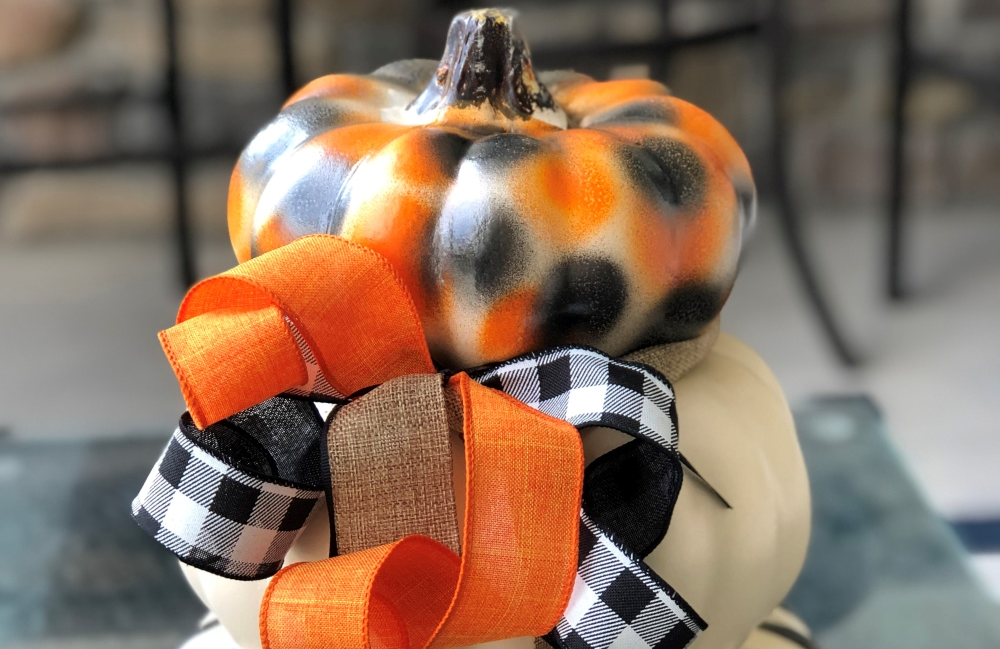 COLORSHOT Halloween Decor DIY: Painted Pumpkins