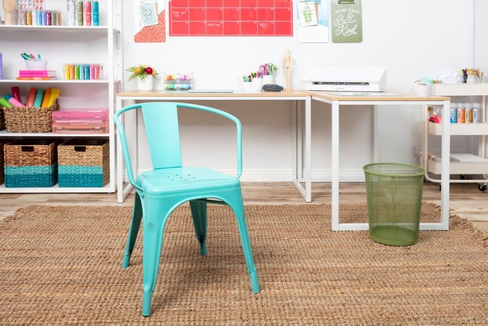COLORSHOT Craft Room Decluttering: Painted Metal Chair