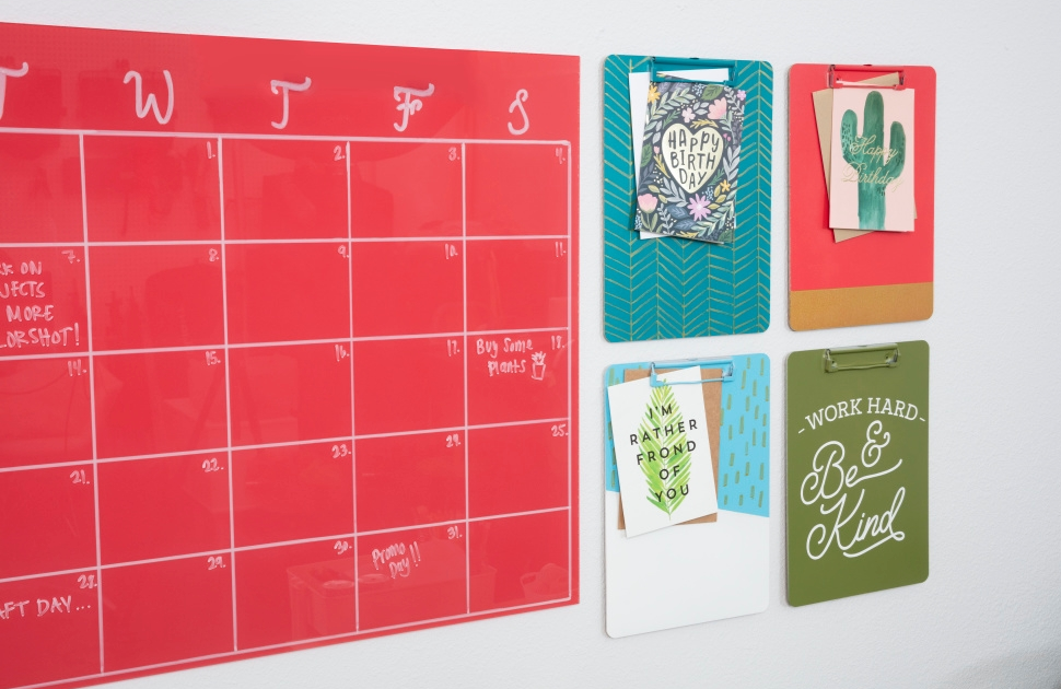 COLORSHOT Craft Room Decluttering DIY Wall Calendar