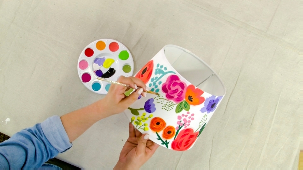 COLORSHOT Floral Mirror DIY - paint lampshade