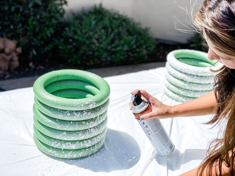 Spray texture onto foam rings